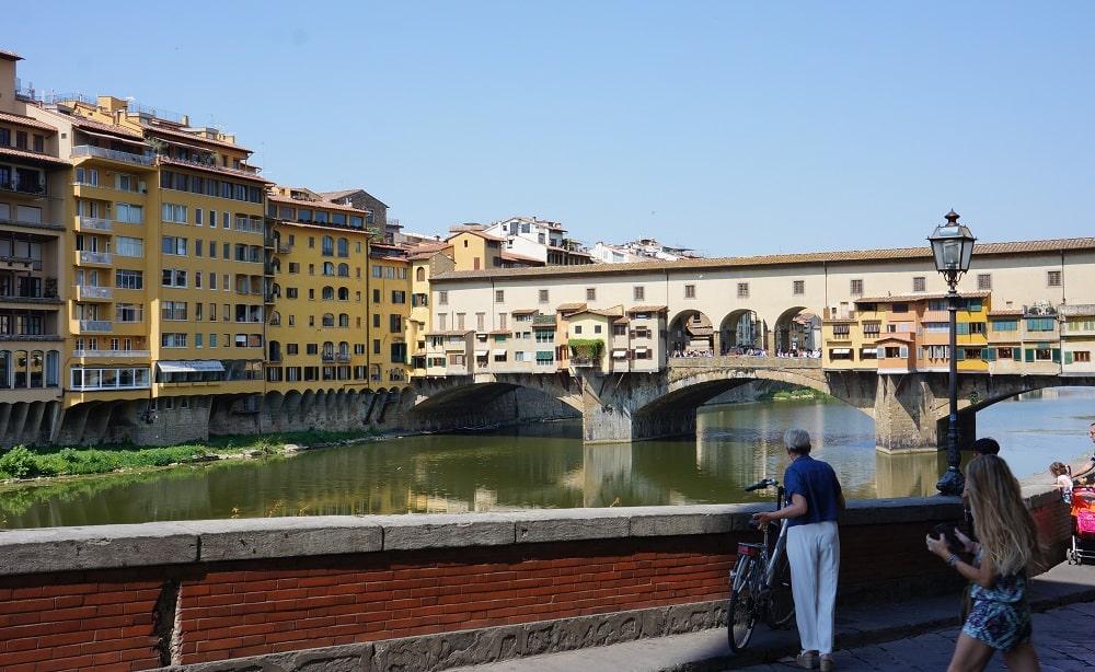 Три арки моста Понте Веккьо