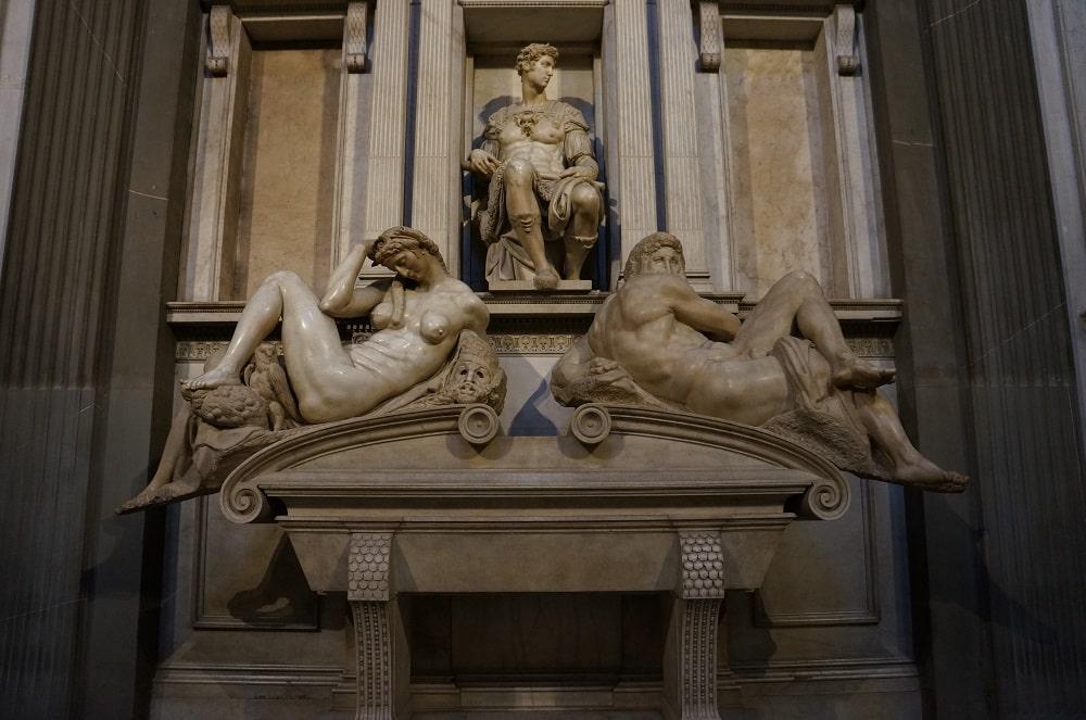 Саркофаг герцога Неймурского