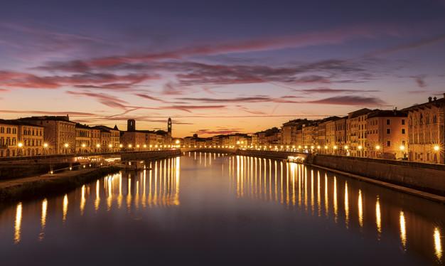 Вечерний вид на реку Арно