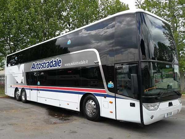 Автобус Autostradale