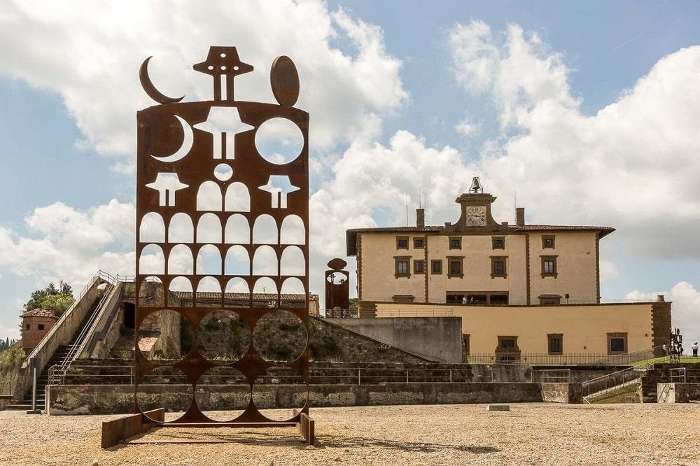 Выставка не территории форта